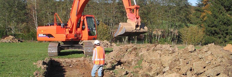 Réalisation de fouilles pour des recherches archéologiques